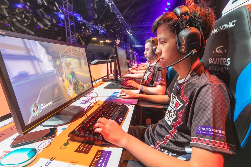 SPORT AND ESPORT : THE TRADEMARK OF GRAND POITIERS